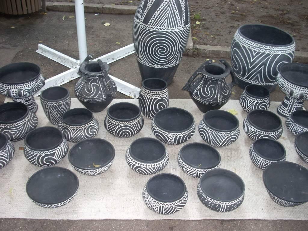 Targul de arta ceramica Cucuteni si al mestesugarilor de la Iasi-1/3 iulie 2011 Cucuteni003