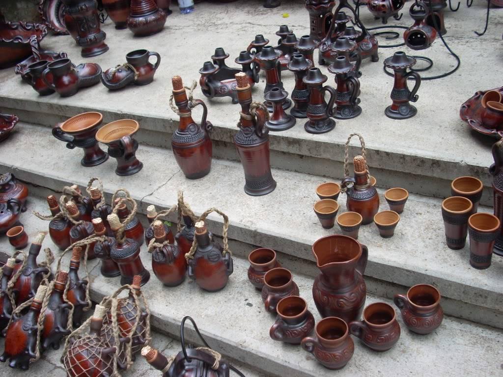 Targul de arta ceramica Cucuteni si al mestesugarilor de la Iasi-1/3 iulie 2011 Cucuteni020