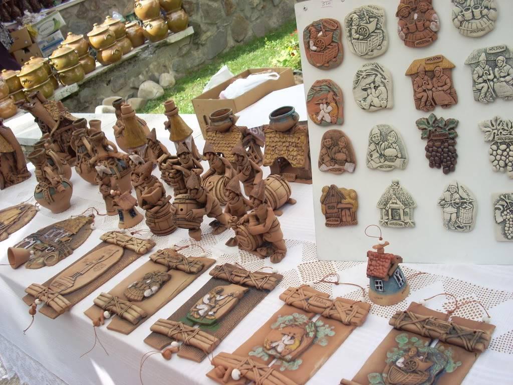 Targul de arta ceramica Cucuteni si al mestesugarilor de la Iasi-1/3 iulie 2011 Cucuteni037