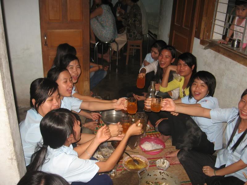 HÌNH LIÊN HOAN CUỐI NĂM Picture127