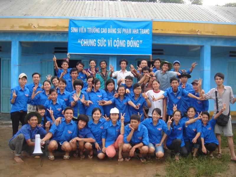 Mùa hè Tình Nguyện Khánh Sơn 2010 trường CĐSP Nha Trang DSC01880