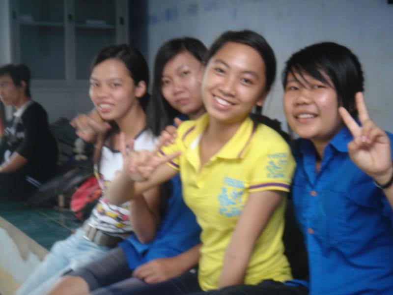 Mùa hè Tình Nguyện Khánh Sơn 2010 trường CĐSP Nha Trang DSC01887