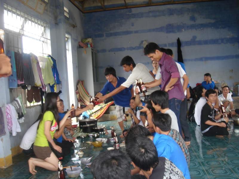 Mùa hè Tình Nguyện Khánh Sơn 2010 trường CĐSP Nha Trang DSC01891