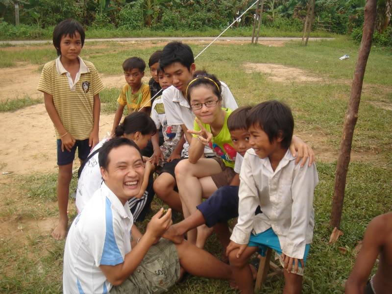 Mùa hè Tình Nguyện Khánh Sơn 2010 trường CĐSP Nha Trang DSC01892