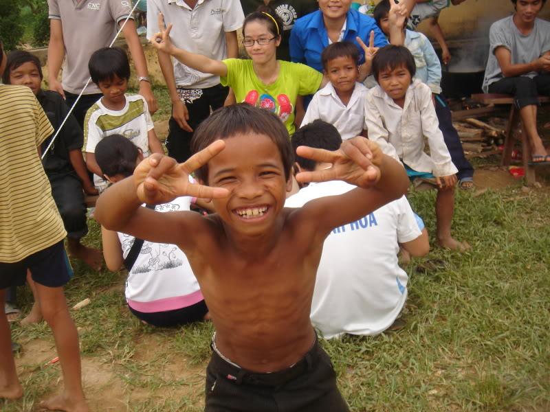 Mùa hè Tình Nguyện Khánh Sơn 2010 trường CĐSP Nha Trang DSC01895