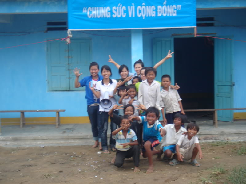 Mùa hè Tình Nguyện Khánh Sơn 2010 trường CĐSP Nha Trang DSC01896
