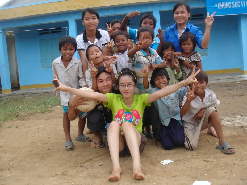 Mùa hè Tình Nguyện Khánh Sơn 2010 trường CĐSP Nha Trang DSC01897