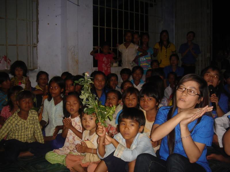 Mùa hè Tình Nguyện Khánh Sơn 2010 trường CĐSP Nha Trang DSC01931
