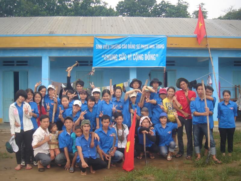 Mùa hè Tình Nguyện Khánh Sơn 2010 trường CĐSP Nha Trang DSC01944