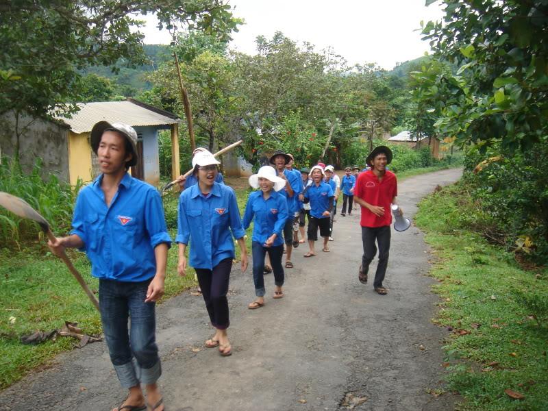 Mùa hè Tình Nguyện Khánh Sơn 2010 trường CĐSP Nha Trang DSC01949