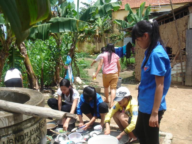 Mùa hè Tình Nguyện Khánh Sơn 2010 trường CĐSP Nha Trang DSC01962