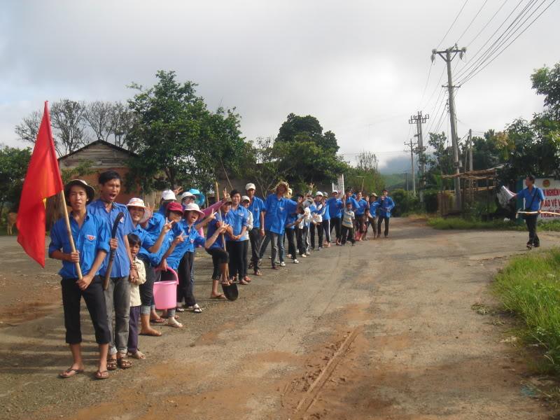 Mùa hè Tình Nguyện Khánh Sơn 2010 trường CĐSP Nha Trang DSC01965