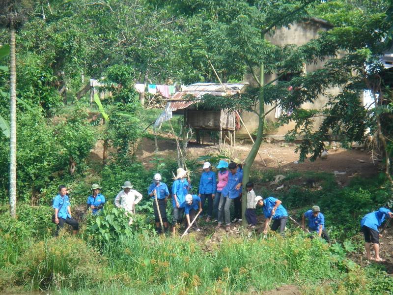 Mùa hè Tình Nguyện Khánh Sơn 2010 trường CĐSP Nha Trang DSC01972