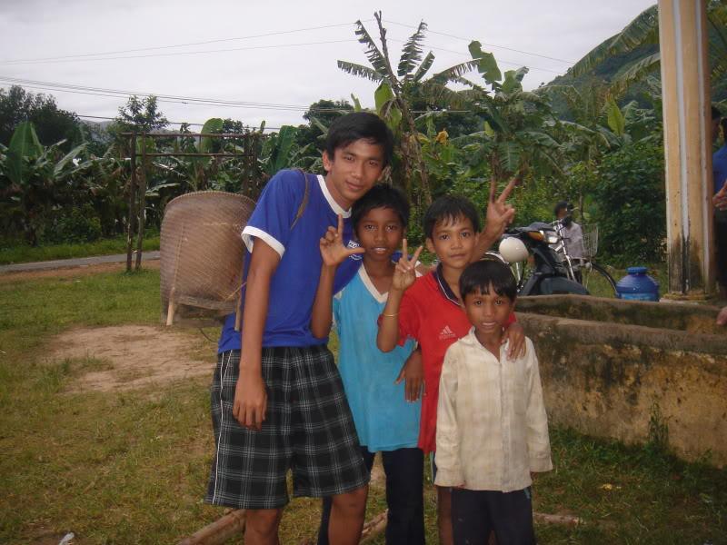 Mùa hè Tình Nguyện Khánh Sơn 2010 trường CĐSP Nha Trang DSC01974