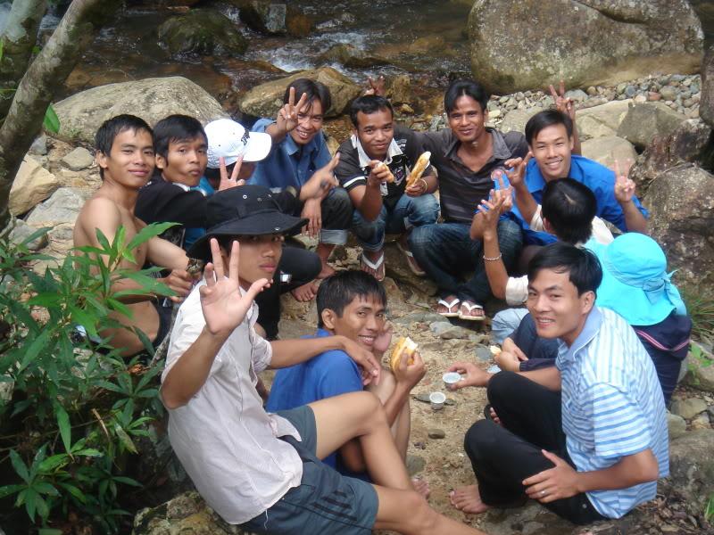 Mùa hè Tình Nguyện Khánh Sơn 2010 trường CĐSP Nha Trang DSC01987