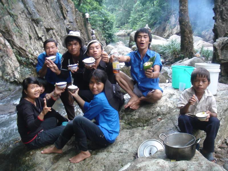 Mùa hè Tình Nguyện Khánh Sơn 2010 trường CĐSP Nha Trang DSC01991
