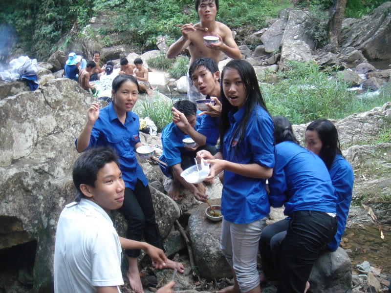 Mùa hè Tình Nguyện Khánh Sơn 2010 trường CĐSP Nha Trang DSC01992