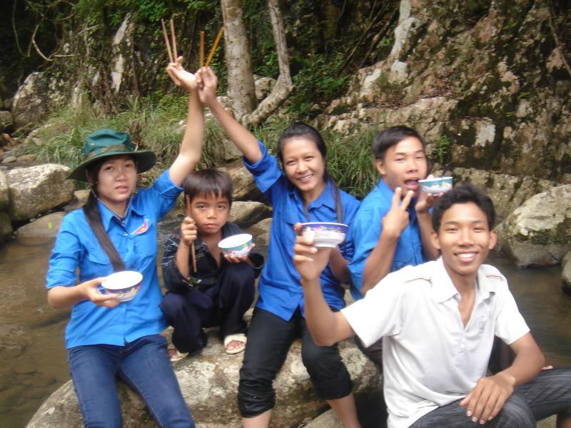 Mùa hè Tình Nguyện Khánh Sơn 2010 trường CĐSP Nha Trang DSC01995