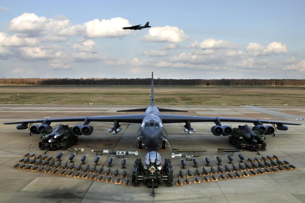 القاذفة Stratofortress  B-52 B52