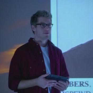 Operador técnico Eric Beale (Barret Foa) E3