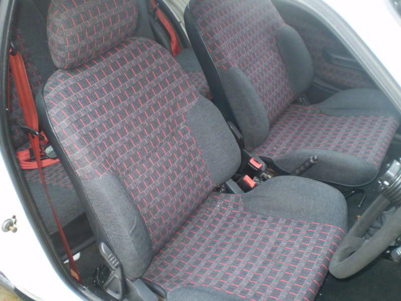 AX GTi 16v Inside2