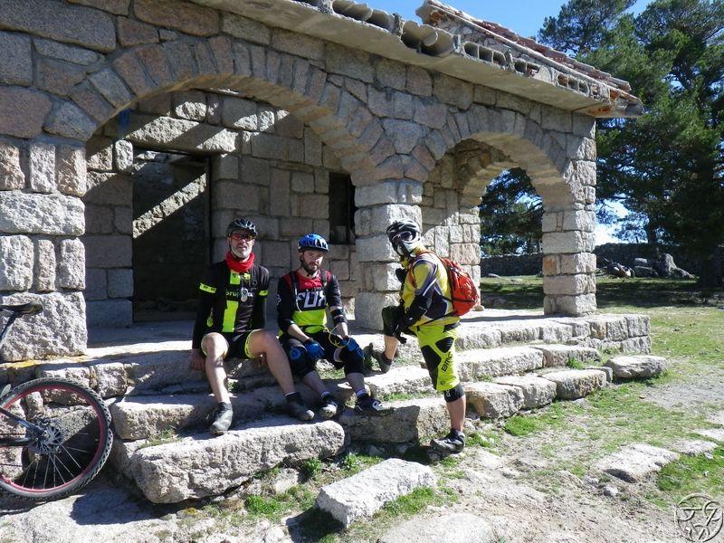 05/04/2015 - Monasterio del Escorial -> Abantos 8:00 RIMG0445_zpshisvayr5