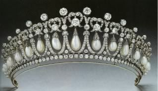 Queen Anne's crowns & tiaras Cambridge_Lovers_Knot_Tiara