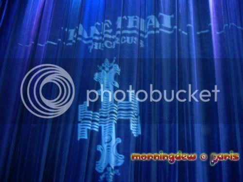 VIP ROOM - 1er Décembre 2008 - Page 12 Curtain