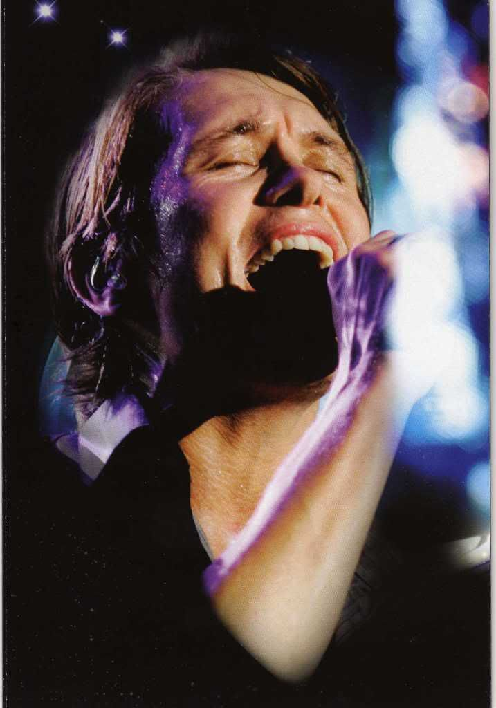 Beautiful world tour DVD-photos - Page 6 Img001
