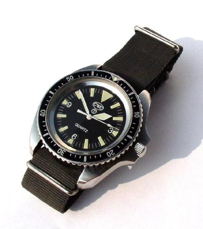 (Revue) CWC Royal Navy Diver  CWCdivewatch
