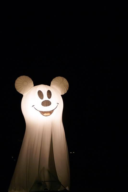 Disney Parks Picture of the Day - Page 2 Disneyoct071553