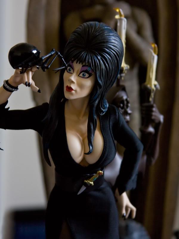 ELVIRA Premium format Elvira01
