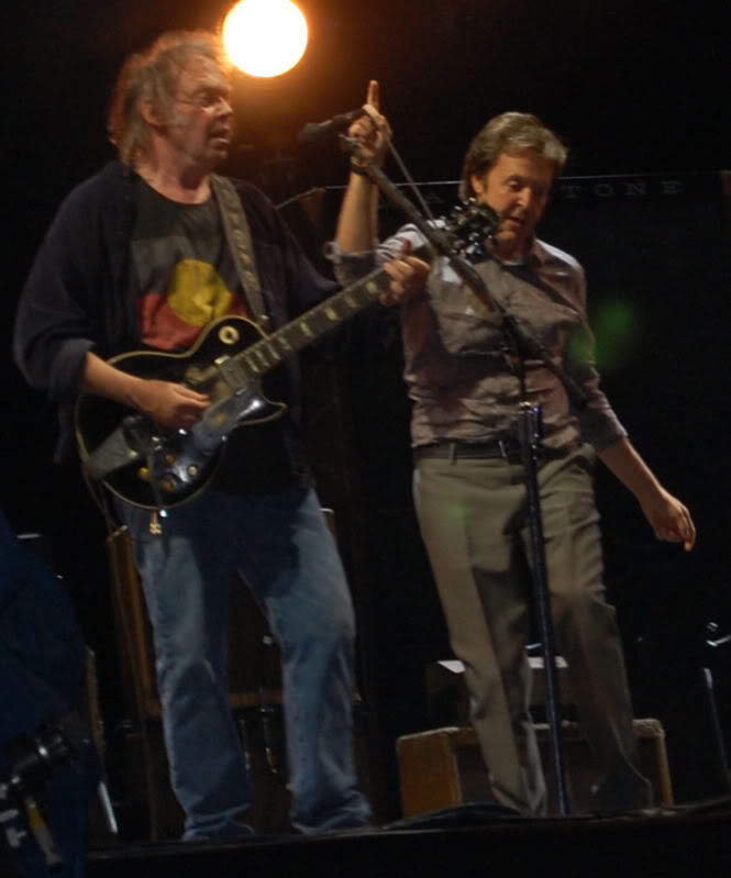 Neil Young - 27/06/09 Hyde Park Neilpaul