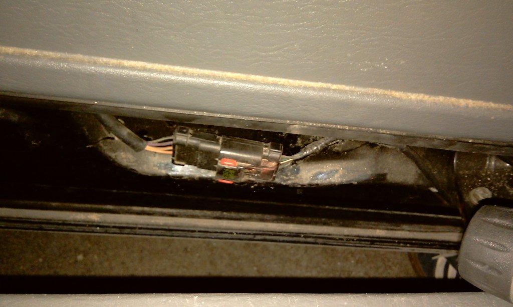 Cierre puerta lateral  (pestillos) - Página 2 IMAG0735
