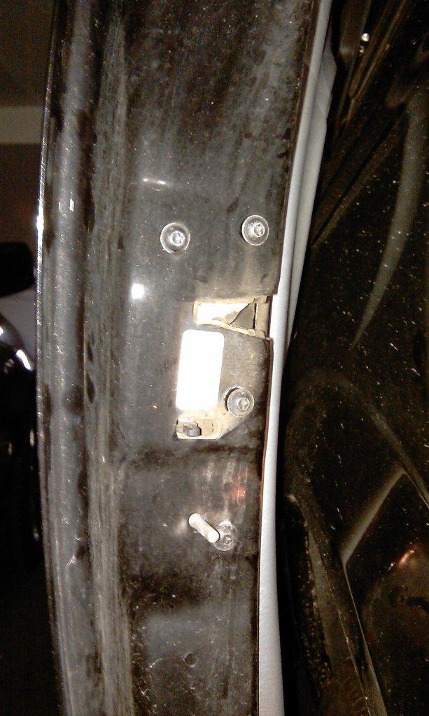 Cierre puerta lateral  (pestillos) - Página 2 IMAG0736