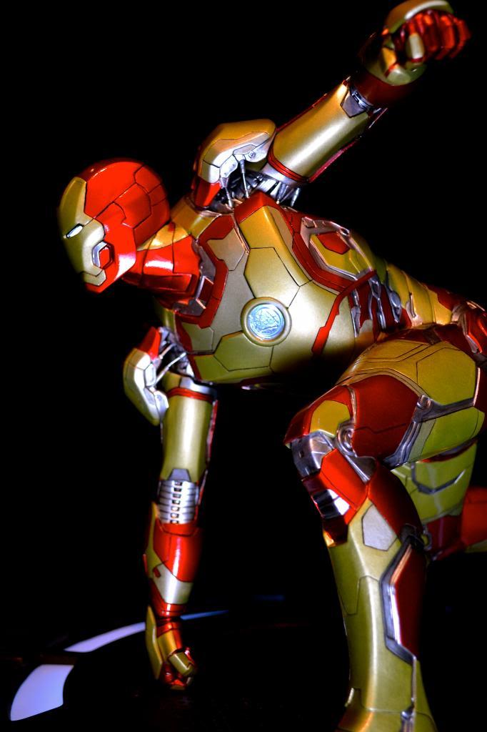 IRON STUDIOS: IRON MAN 3 MARK XLII LEGACY REPLICA  1/4 SCALE DSC_0150-3