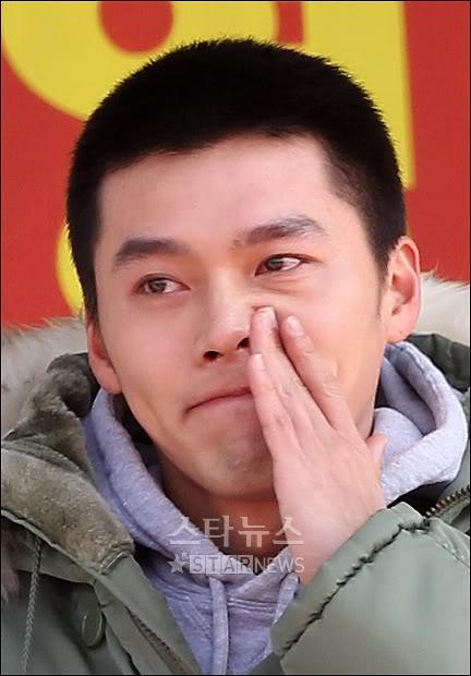 Hyun Bin partió a la mili, con lágrimas en los ojos 14debab767cf62a030add17a