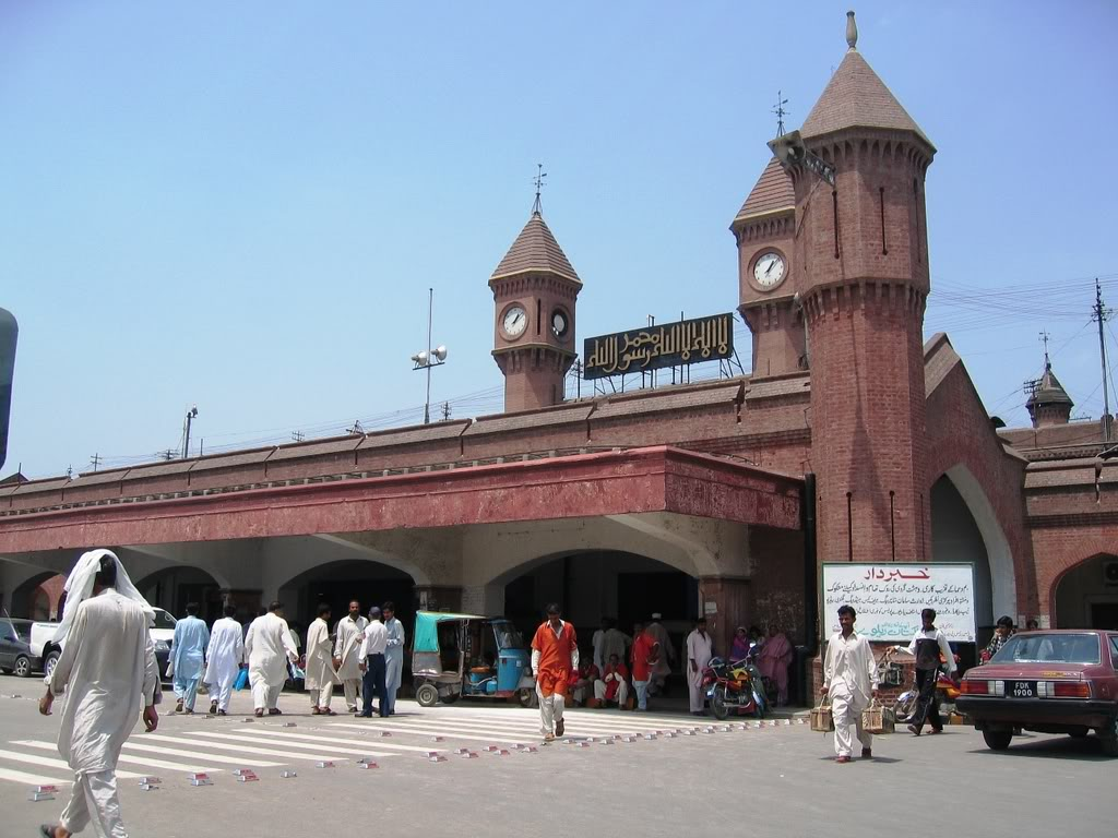 «­·´¯`·»¦« Lahore Railway Station «­·´¯`·»¦« AyeshasPhotography014