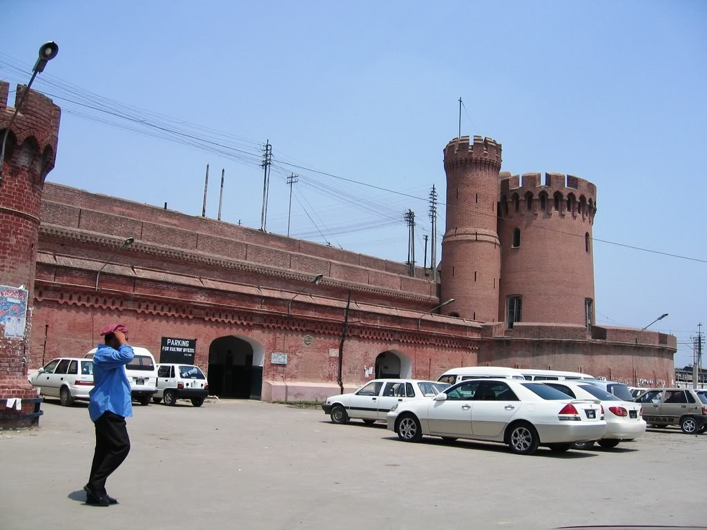 «­·´¯`·»¦« Lahore Railway Station «­·´¯`·»¦« AyeshasPhotography015