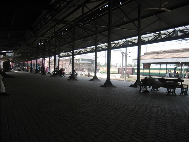 «­·´¯`·»¦« Lahore Railway Station «­·´¯`·»¦« AyeshasPhotography027