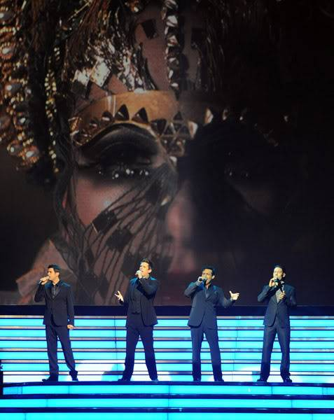 An Evening With Il Divo Tour 2009   Pics, Reports & Videos  (London O2 Feb 27, 2009) 56866694fara190336200930008AM