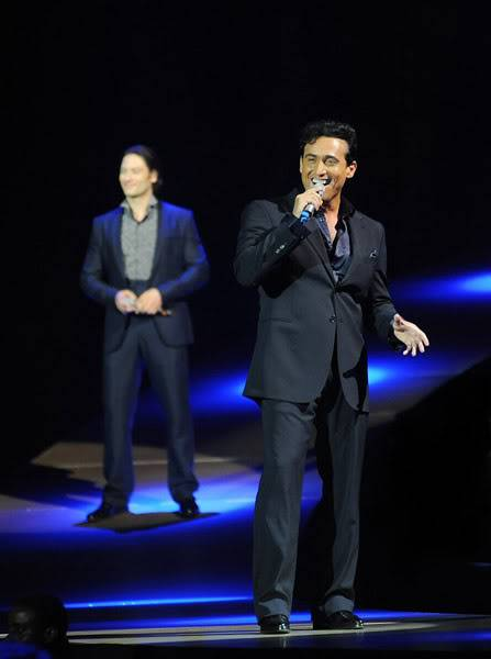 An Evening With Il Divo Tour 2009   Pics, Reports & Videos  (London O2 Feb 27, 2009) 56866725fara190336200925825AM