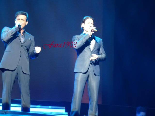 An Evening With Il Divo Tour 2009   Pics, Reports & Videos  (London O2 Feb 27, 2009) P1030078