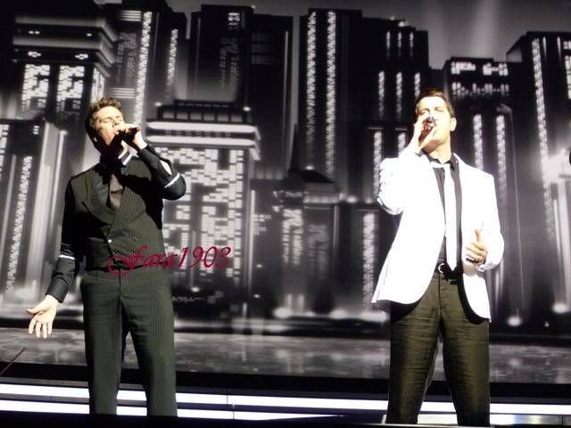 An Evening With Il Divo Tour 2009   Pics, Reports & Videos  (London O2 Feb 27, 2009) P1030151