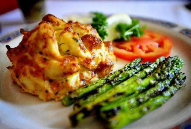 Maryland Style Crab Cakes 484090_10151635232735774_1882889919_n