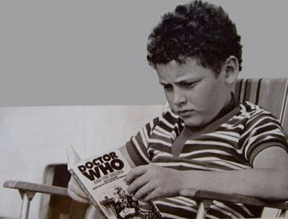 Doctor Who [11] - Page 3 Steven-moffat-age-8_zpsknnyhjkd