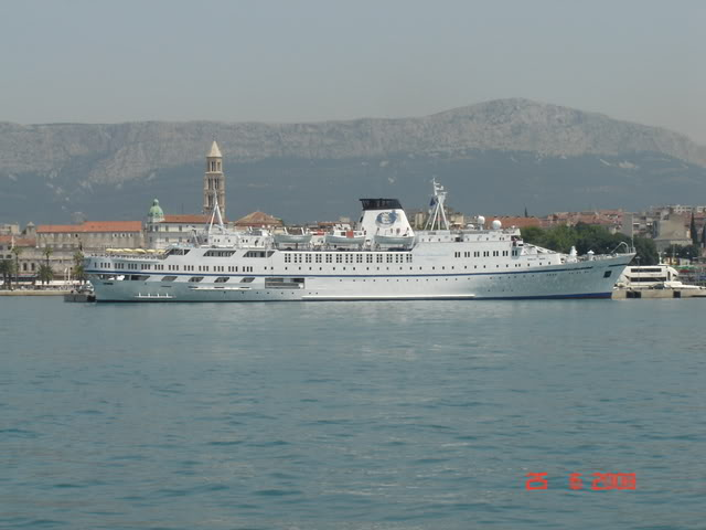 Cruiseri ARION