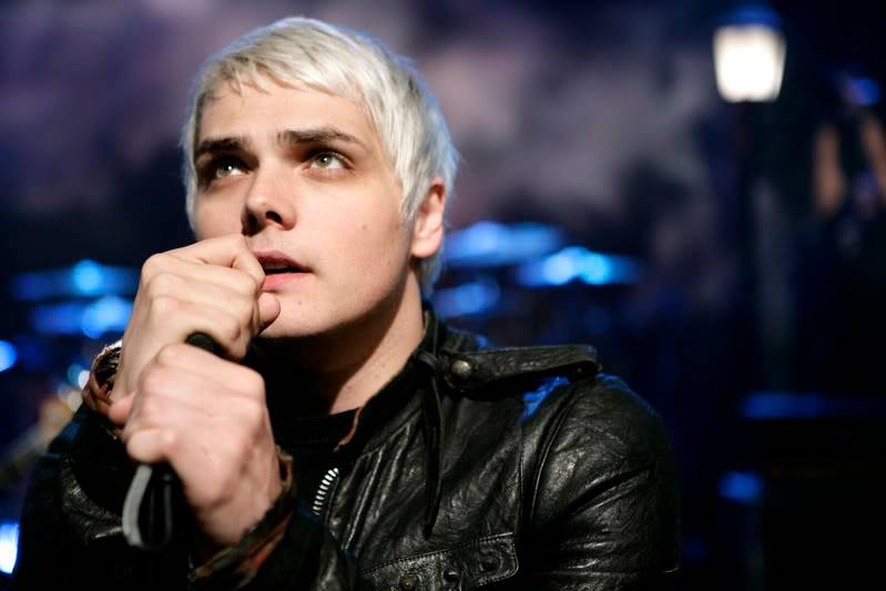 Gerard - Page 4 06aolsessions