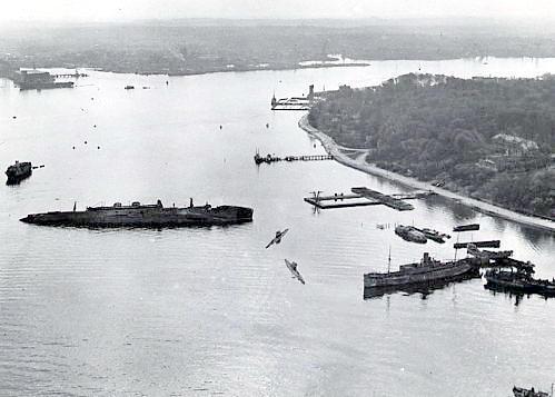 Kiel, 1945-47 10-12-45-ny_zpsaovbbu3y