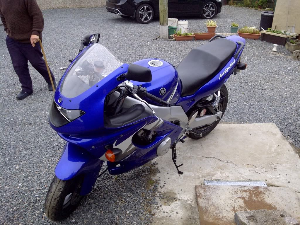 Yamaha YZF600 Thundercat in blue (real showroom condition) IMG-20120610-02906
